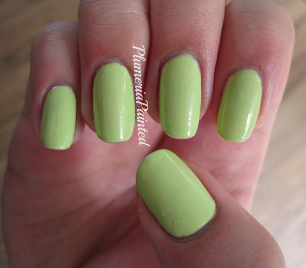 plumeriapainted green nails etude