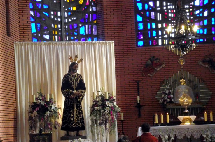 horario de misas en badajoz: