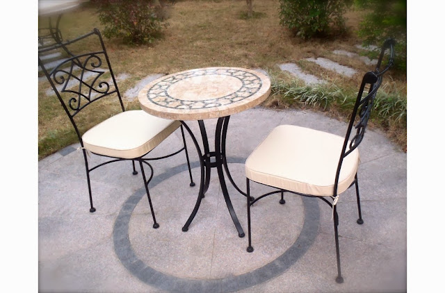 http://www.livingroc.com/tables-en-mosaique-de-marbre/201-table-ronde-mosaique-marbre-indien-vert-india.html