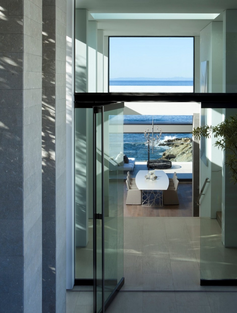 Modern interior of Romantic home above the ocean, California