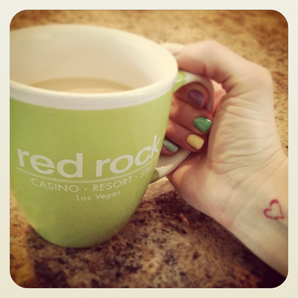 red rock mug, spring nails, heart tattoo