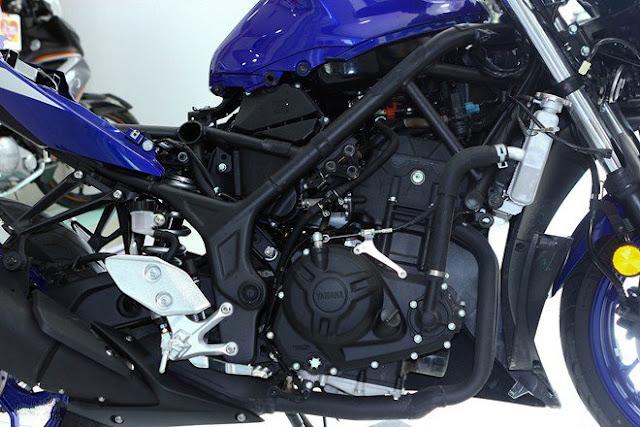 Soi chi tiết Yamaha R3 chính hãng tại Việt Nam