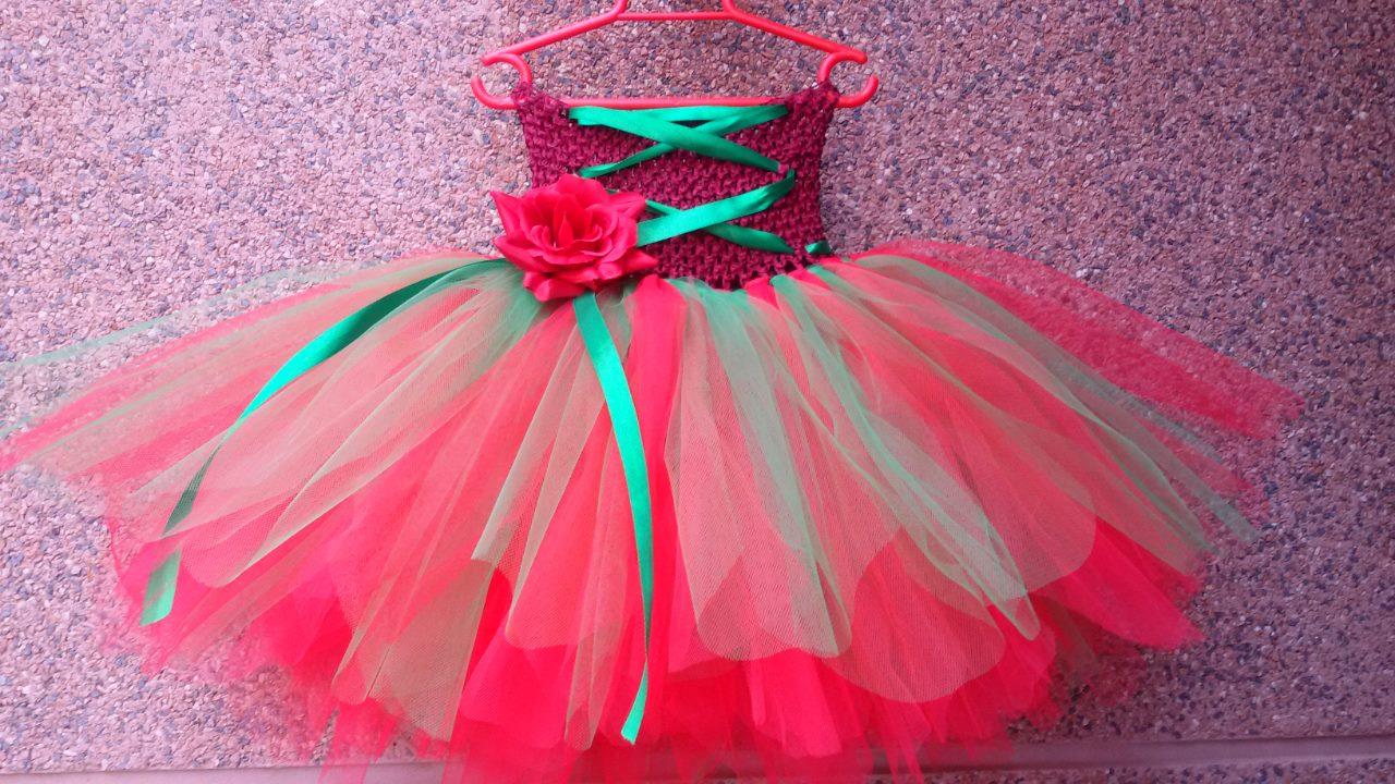 Mis Vestiditos de Cuento Hadas: Vestido de Navidad con detalle de Rosa