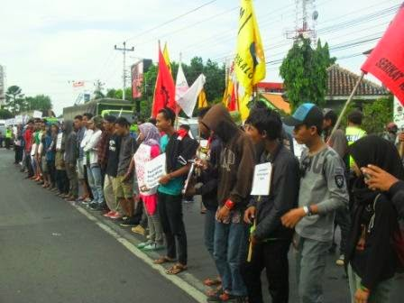 May Day, CGRP  Demo Ajukan 12 Tuntutan