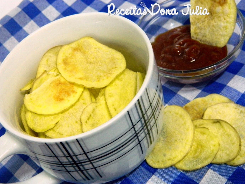 Chips de batata inglesa no microondas