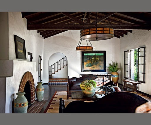 Celebrity homes diane keaton beverly hills for Spanish colonial revival living room