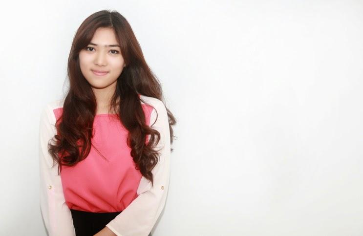 Profil Isyana Sarasvati Penyanyi Paras Cantik Bersuara Merdu