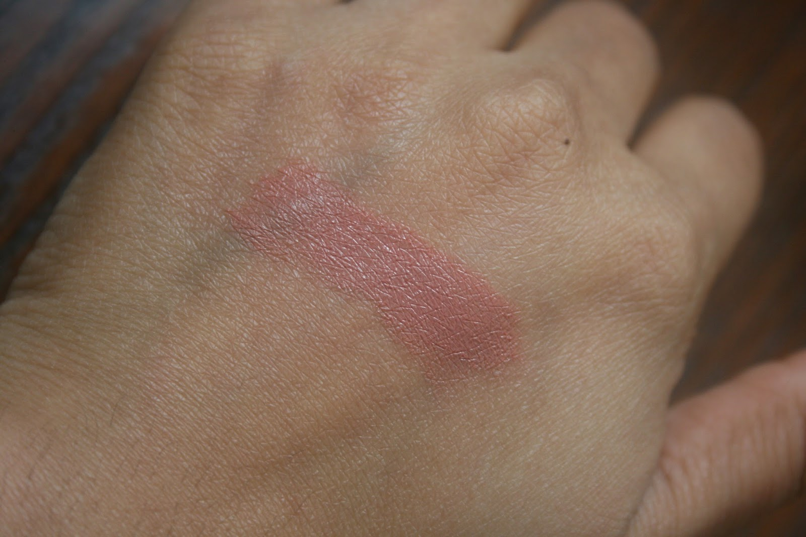 Bite Beauty Butter Cream Lipstick in Caramel Swatch