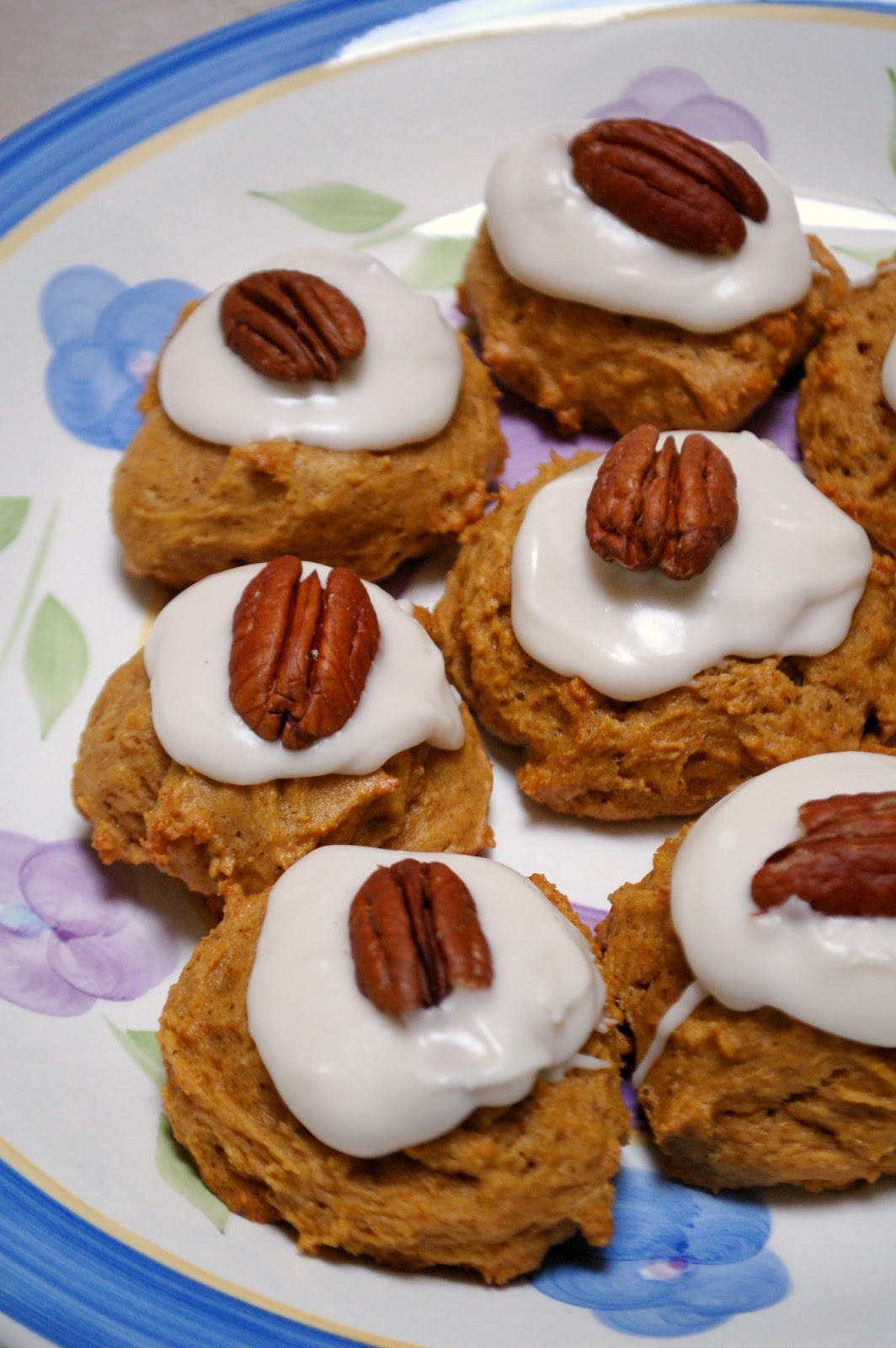 The Spice Garden: Pumpkin-Pecan Cookies with Rummed Up Icing