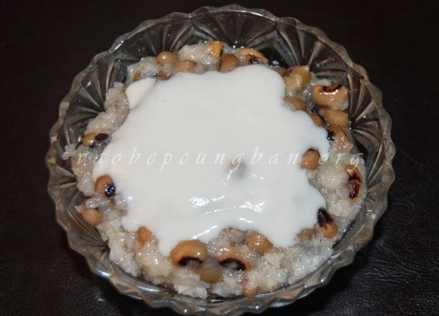 Cách nấu chè đậu trắng cốt dừa với nếp thơm ngon 5