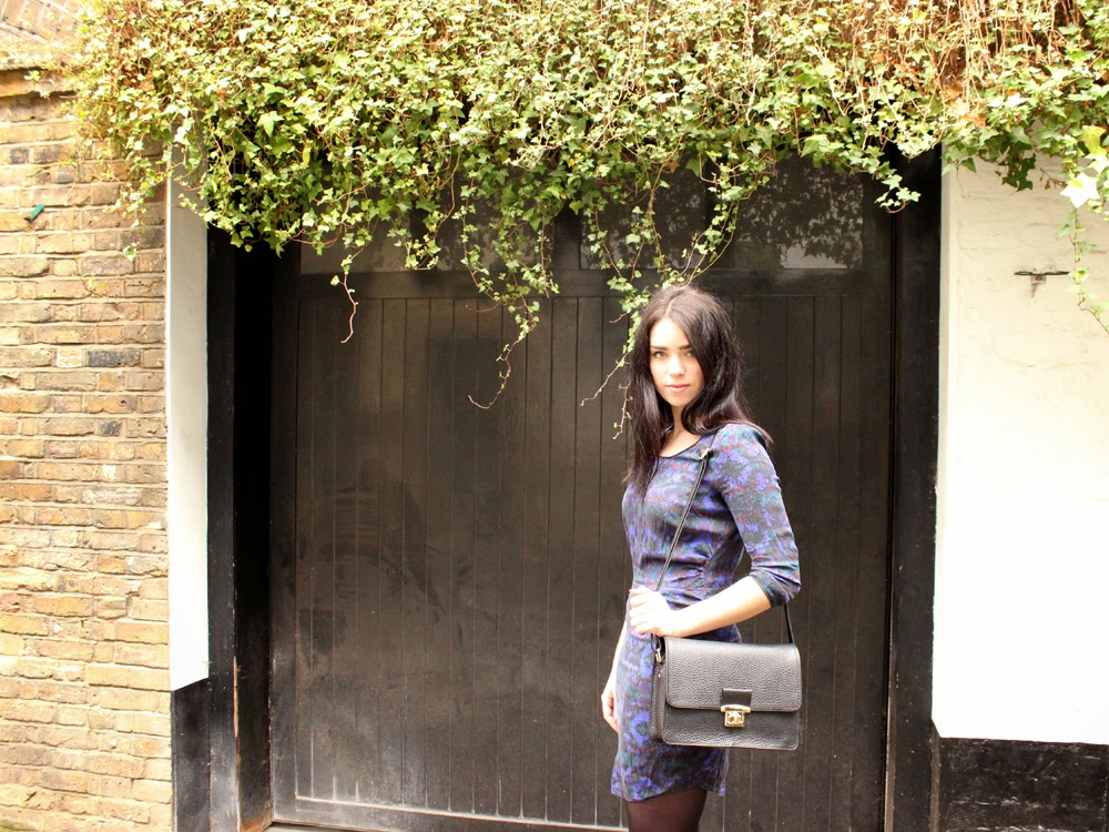 London fashion blogger Emma Louise Layla in purple print silk Comptoir des Cotonniers dress
