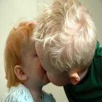 Você passaria 58 horas beijando? Responda depois que conhecer as 10 curiosidades sobre o beijo