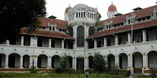 http://krocoplus.blogspot.com/2012/07/jeritan-pilu-arwah-tentara-belanda.html