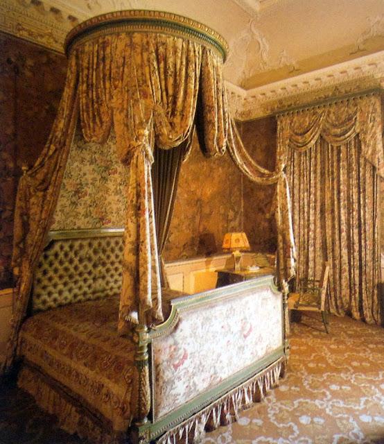 Archi tetti oggi voglio un letto a baldacchino - Letto a baldacchino in legno ...