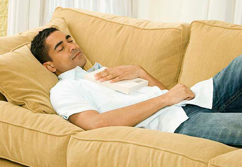 Manfaat Luar Biasa Tidur Siang