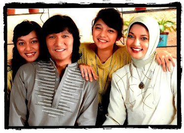 Ikang Fawzi Marissa Haque and Their Family, 2010