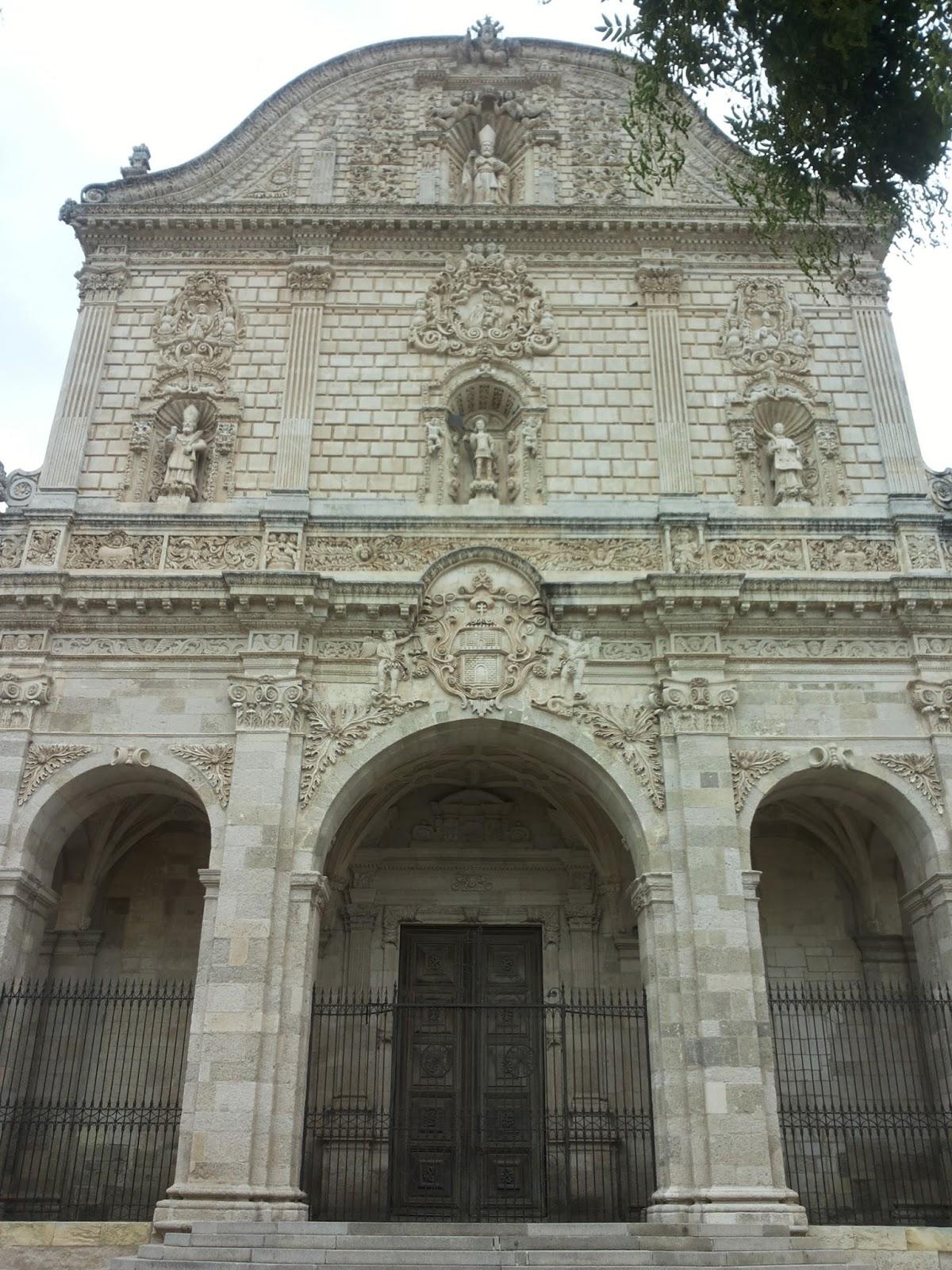 Giro svagando for Palazzo in stile spagnolo