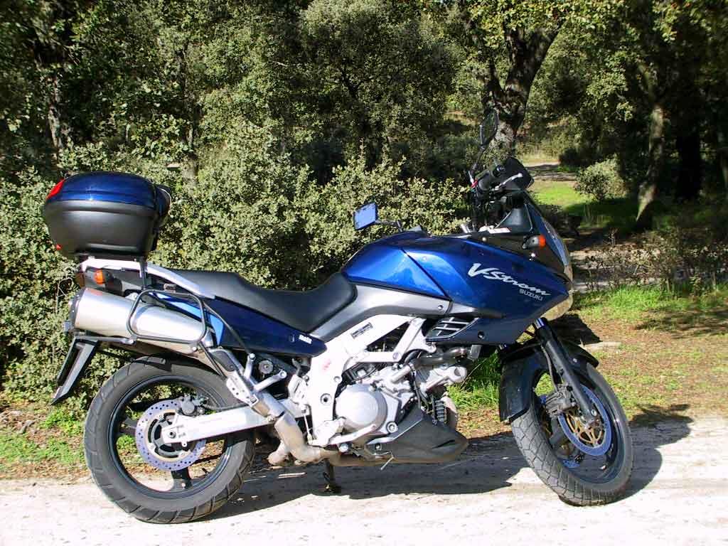 http://2.bp.blogspot.com/-E7JQUUpxdE4/TpLEjHiOaKI/AAAAAAAAIoM/h6t5v3CpH5Y/s1600/Suzuki_V_Strom_1000_465_8.jpg