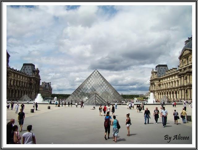 muzeul-louvre-paris