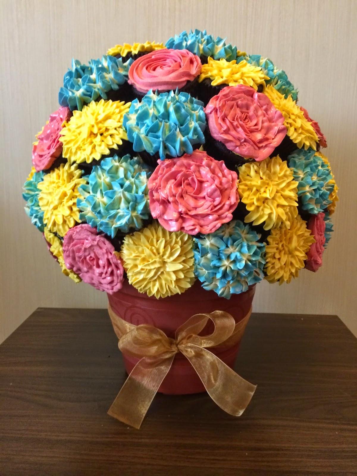 Cupcake flower bouquet crissas cake corner cupcake flower bouquet izmirmasajfo
