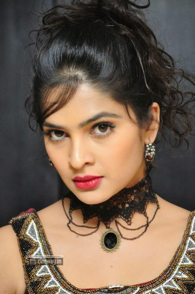 Actress-Madhumitha-Stills-at-Maine-Pyar-Kiya-Success-Meet