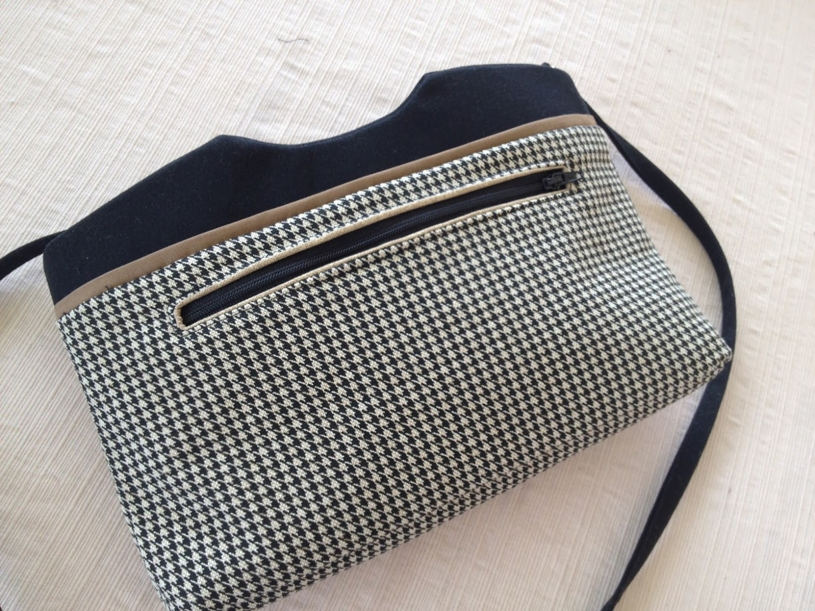 Normas bag boutique chandelier swing bag i used some black twill and a beige and black houndstooth home dec weight fabric the size of this bag is great for when you want to look elegant and sleek aloadofball Choice Image