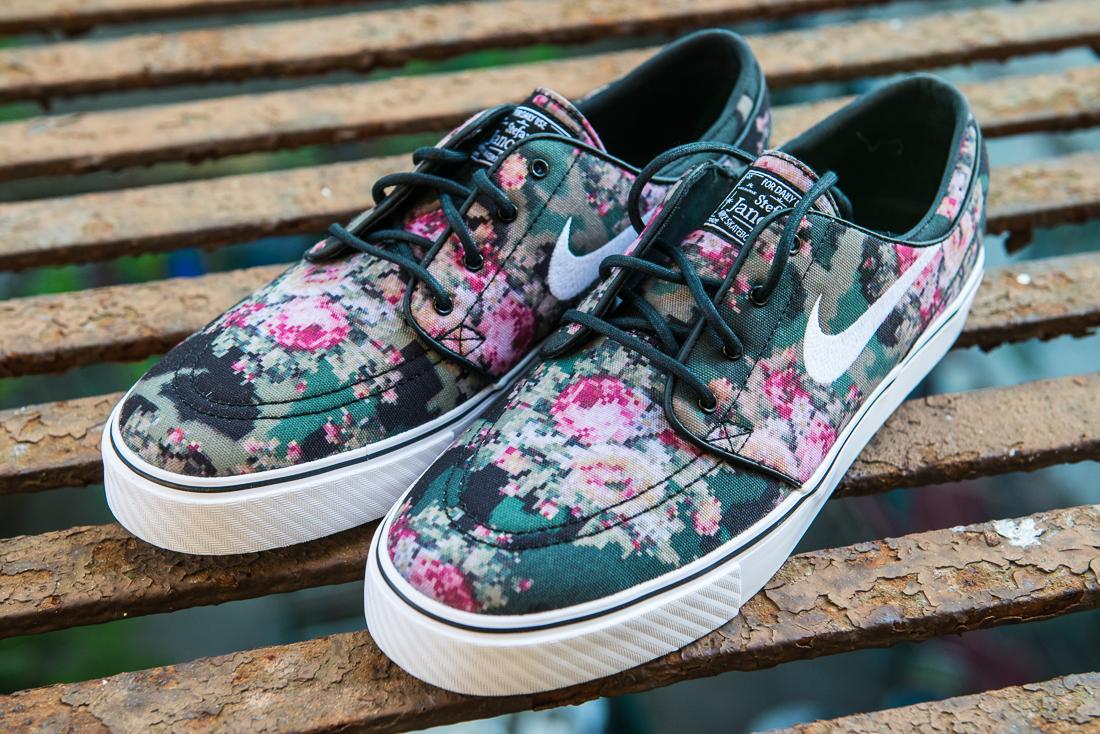 Floral Print Nike Janoski Womens  a3d56ad3c