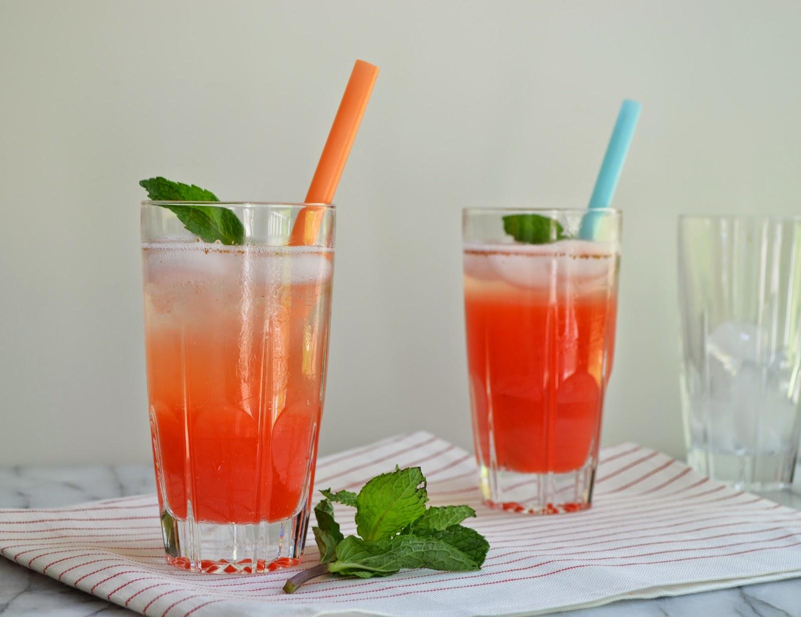 Strawberry Sparkling Lemonade – Strawberries are in abundance at ...