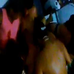 Suruba com loira novinha sendo enrabada - http://videosamadoresdenovinhas.com