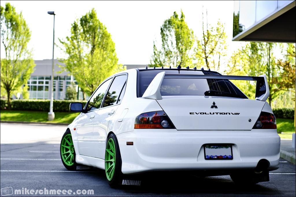 Mitsubishi Lancer Evolution VIII, 8, japoński sportowy sedan, napęd na cztery koła, AWD, 280 KM, zdjęcia, fotki