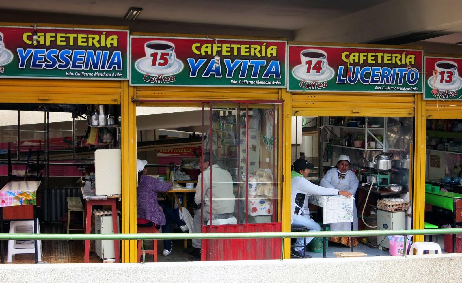 Locales de comida en el Mercado central de La Paz