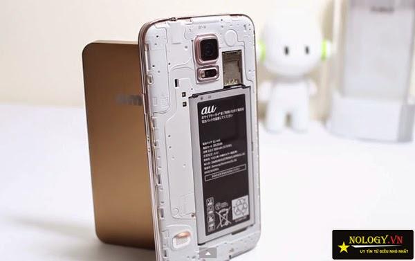 So sánh Samsung Galaxy S5 Au và Sony Xperia Z1.