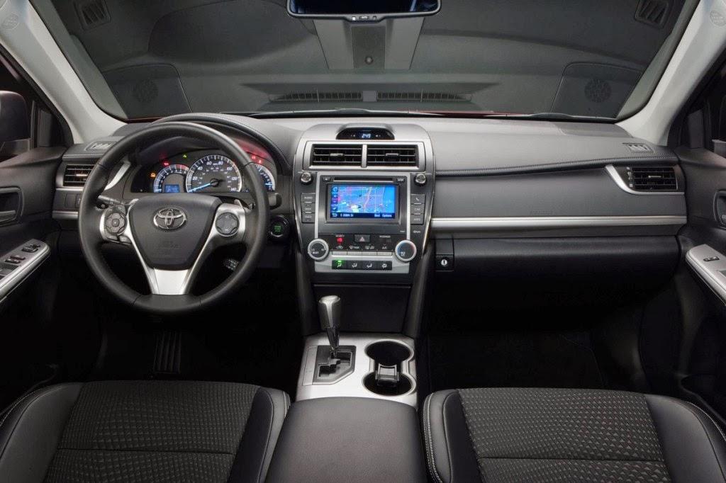 2014.5 Toyota Camry SE Interior