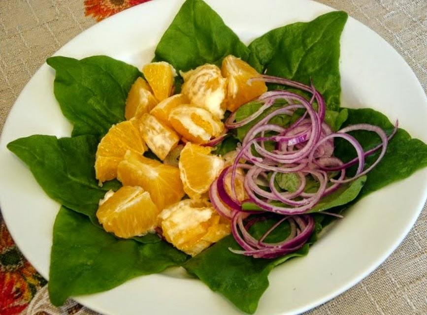 Salada de Espinafre com Laranja (vegana)