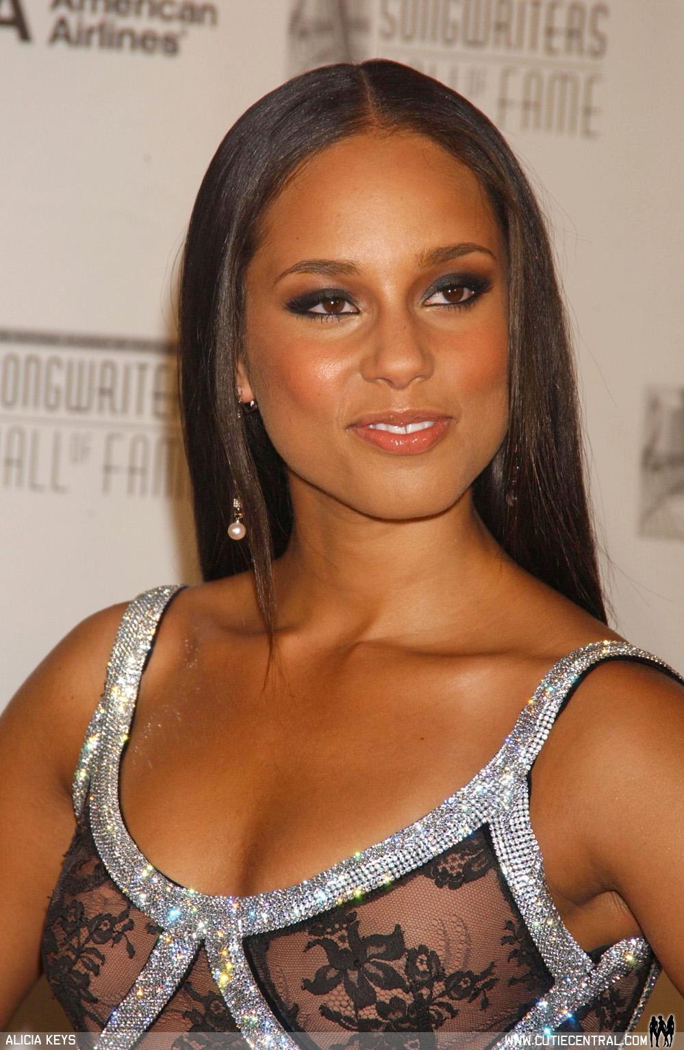 ALICIA KEYS HAIRSTYLES Alicia Keys