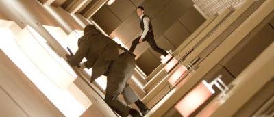 Arthur (Joseph Gordon-Levitt) en plein combat dans Inception