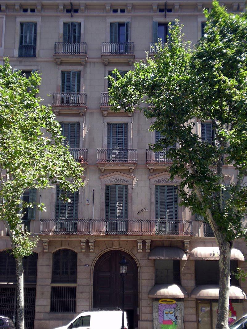 Interiores minimalistas casa decor barcelona ocupa la for Casas minimalistas interiores