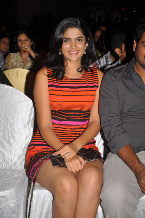 deeksha seth new , deeksha seth spicy latest photos