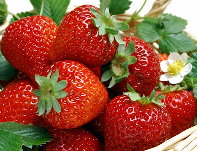 kandungan asam pada buah strawberry