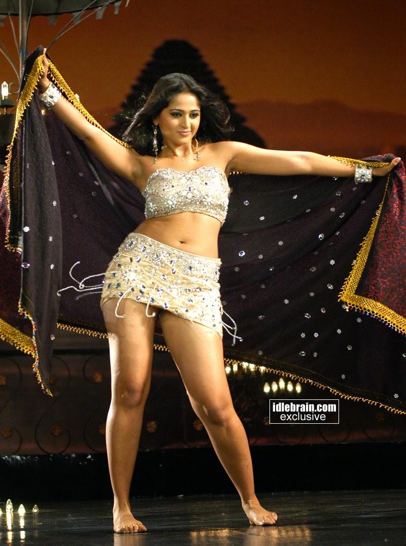 Anushka hot hot sexy navel poses in sexy dress