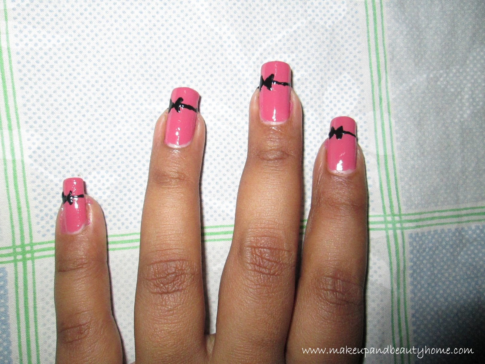cute bow nail art tutorial do it yourself makeup and beauty home nail art bow. Interior Design Ideas. Home Design Ideas