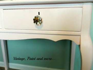 Vintage, Paint and more... vintage glass knobs for a vintage vanity