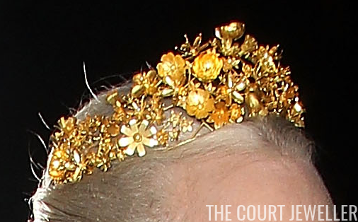 Tiaras made with golden wires