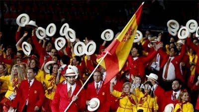 desfile inauguración Olimpiadas Londres 2012 Pau Gasol abanderado de España trajes Bosco