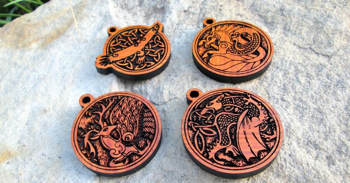 Медальон из дерева своими руками 59