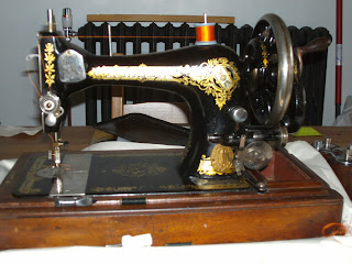 Singer 28K handcrank sewing machine made in 1908