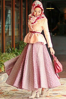 Busana Muslim Batik Pesta Modern
