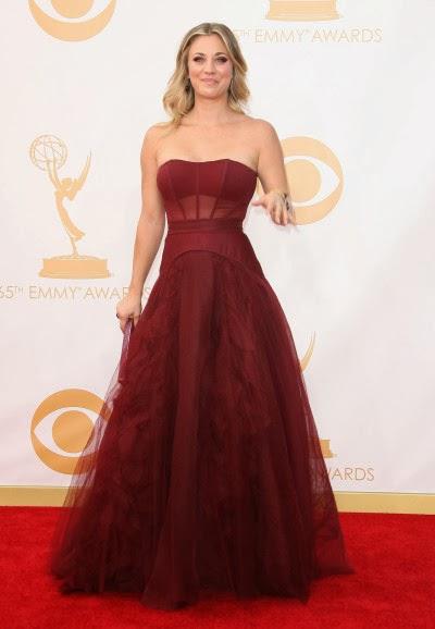 Kaley Cuoco en los premios Emmy 2013