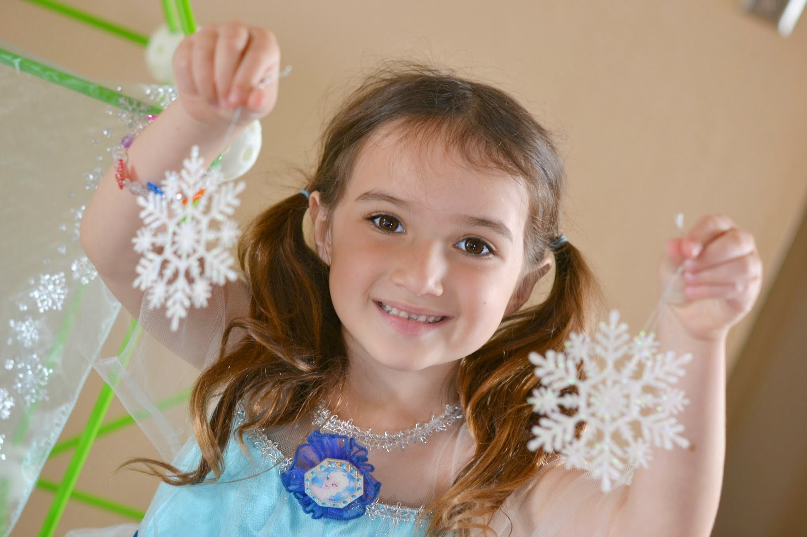 Mommy Testers, Mommy Testers, DIY FROZEN Ice Palace