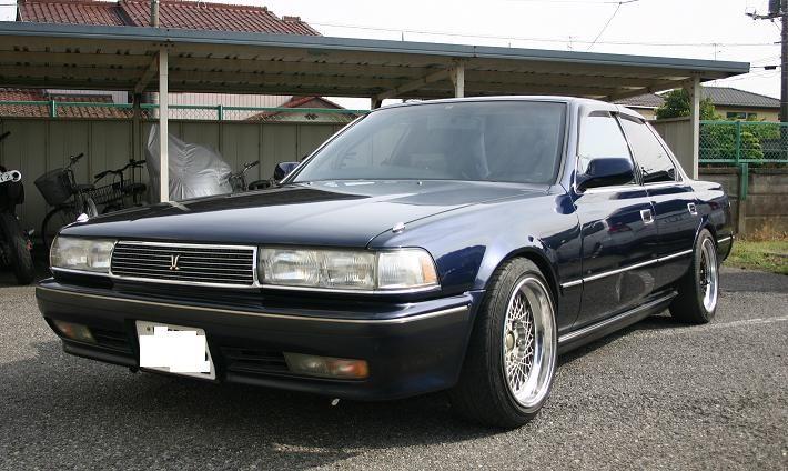 Toyota Cresta X80, japoński sportowy sedan, tylnonapędowy, napęd na tył, RWD, drifting, zdjęcia, tuning, JDM